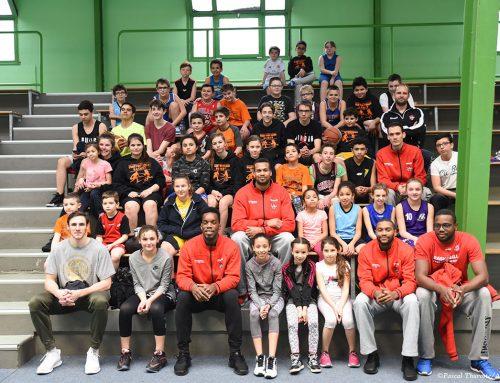 Rencontre entre les joueurs de PRO B et les jeunes basketteurs !